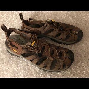 Keen Women's Waterproof Brown Shoes Size 8.5